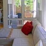 Apartment Wohnbereich mit Balkon