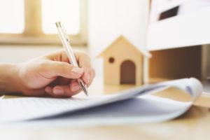 Grundbuchauszug Liegenschaftskarte Unterlagen zum Haus oder Wohnung Verkaufen